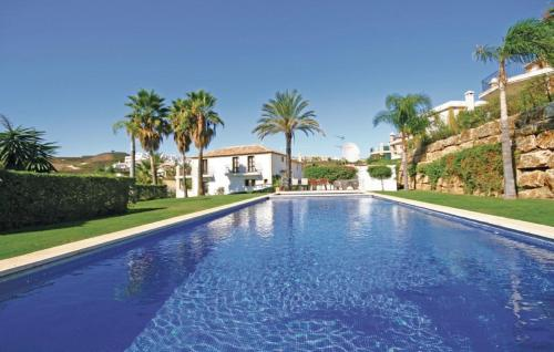 Гостиница «Holiday home Pueblo Andaluz», Эстепона