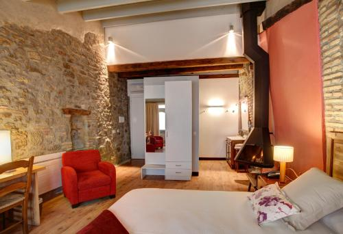 Deluxe Double Room with Fireplace Hotel La Freixera 2