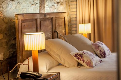 Deluxe Double Room with Fireplace Hotel La Freixera 4