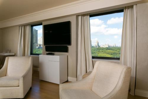 Sensational 3 Bedroom Apartment with direct park views Photo