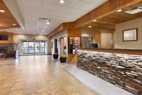 Days Hotel & Suites - Lloydminster Photo