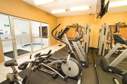 Holiday Inn Express Hotel & Suites - Slave Lake Photo
