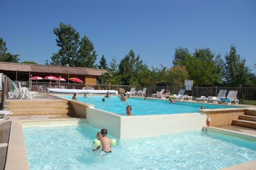 Team Holiday - Camping De Bergougne
