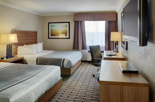 Stonebridge Hotel Grande Prairie Photo