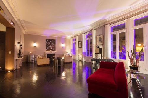 Luxury Appart Champs-Elysees (220m2) - фото 0