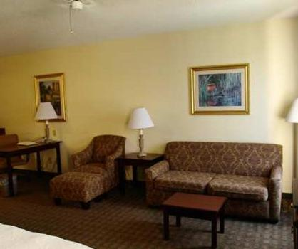 Hampton Inn Canton Photo