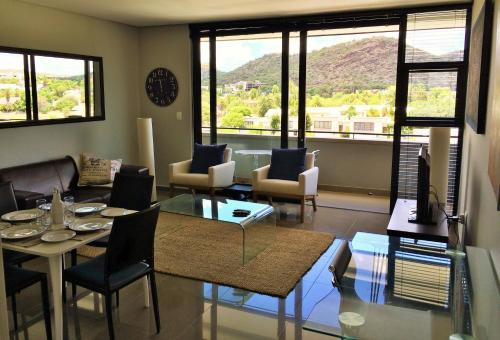 Bridgeview Executive Self Catering - windhoek -