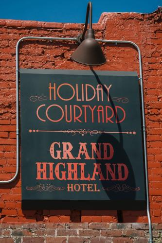 Grand Highland Hotel Photo