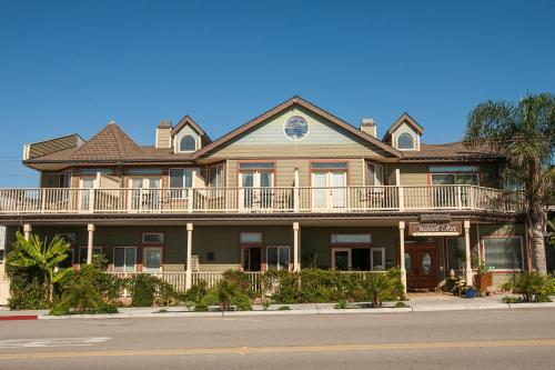 Cayucos Sunset Inn