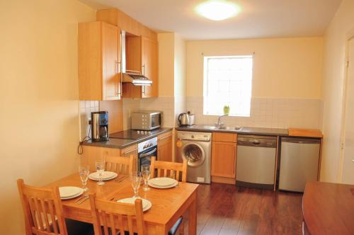 Halfpenny Bridge Holidays Homes - Temple Bar photo 11