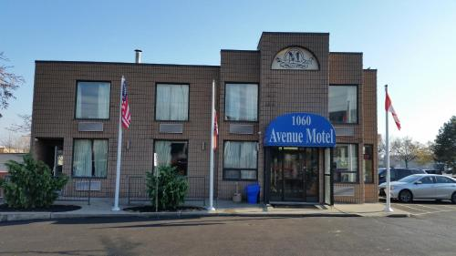 Avenue Motel Photo