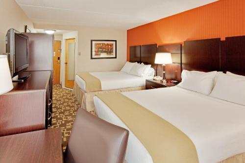 Holiday Inn Express Wilkes-Barre East Photo