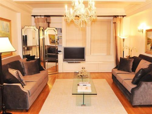 Central Park South One Bedroom Luxury Residence Photo