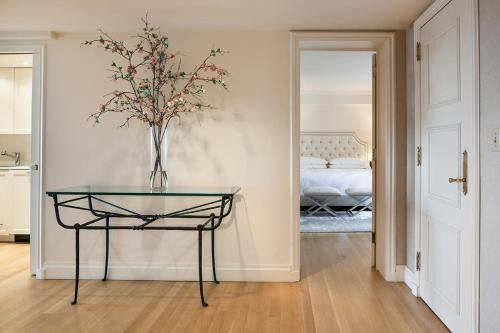 Luxurious Central Park South 2 Bedroom Apartment Photo