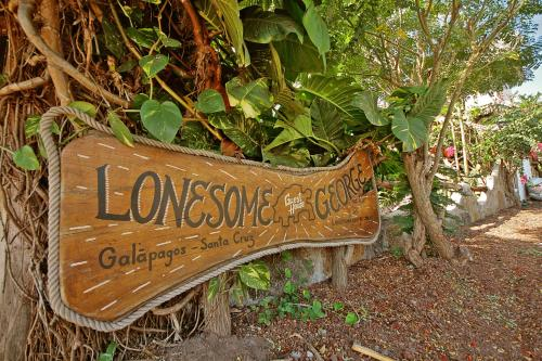 Lonesome George Hostal Photo