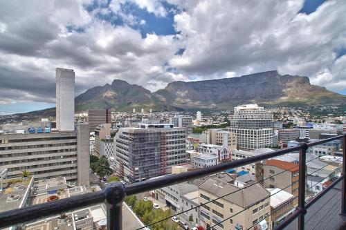 Table Mountain Views Penthouse Photo