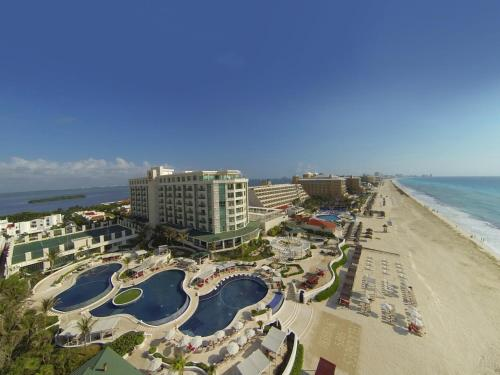 Sandos Cancun Luxury Resort - 1 of 41
