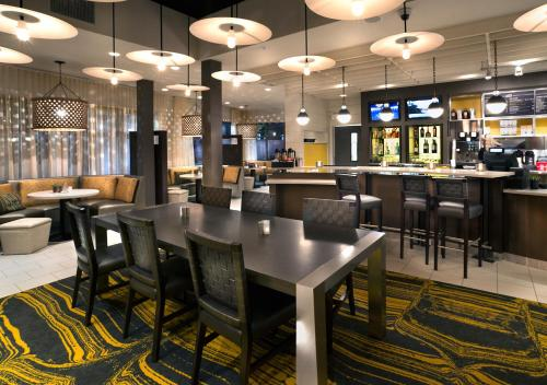 Courtyard by Marriott Charleston Summerville Photo