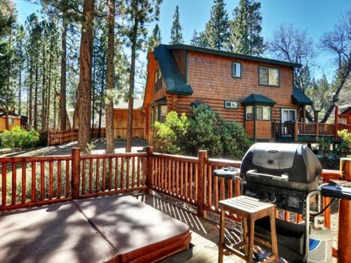 Number 16 Pine Lodge Outdoor Spa - Big Bear City, CA 92315