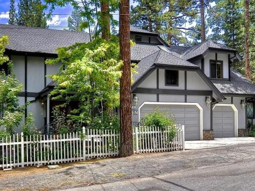 Number 8 Estate By The Lake - Big Bear City, CA 92315