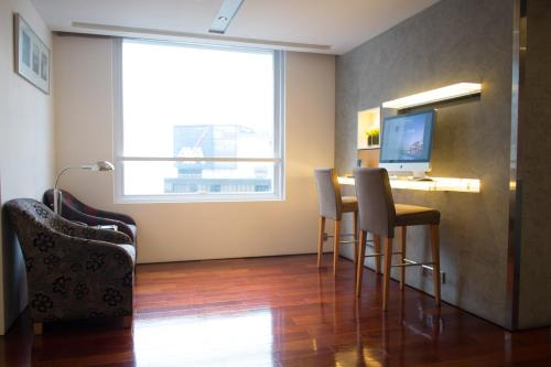 Novotel Century Hong Kong photo 33