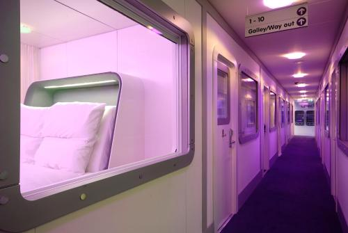 YOTEL Schiphol Airport , Amsterdam, Netherlands, picture 2