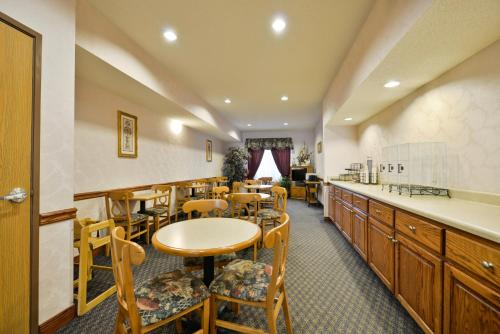 Baymont Inn & Suites of Albany Kentucky Photo