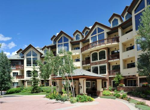 Photo of Oxford Court Beaver Creek Village hotel in Beaver Creek