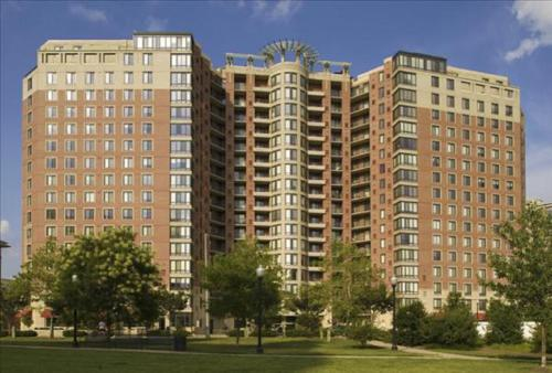 Luxury Apartments steps away from the Pentagon City Metro Station Photo