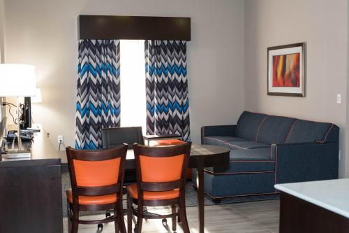 Holiday inn Express & Suites Oklahoma City Southeast Photo