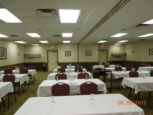 Best Western Plus Marietta Hotel Photo