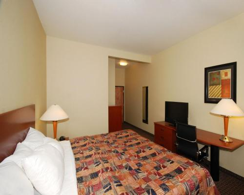 Sleep Inn & Suites Shepherdsville Photo