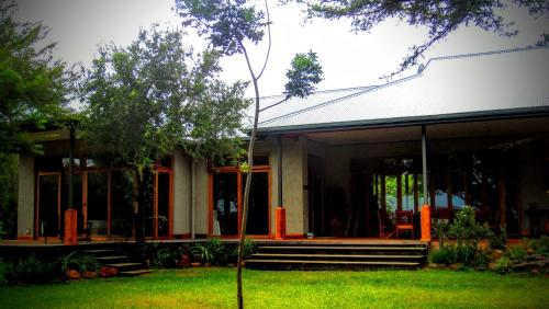 Chumbi Bush House Photo