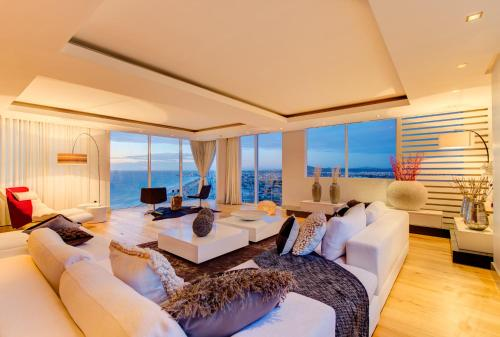 The Penthouse On Beach Photo