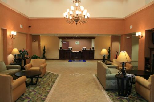 Best Western PLUS Victor Inn & Suites Photo