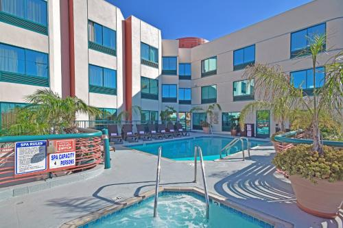 Best Western Plus Suites Hotel - LAX photo 20