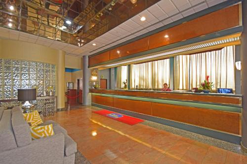 Best Western Plus Suites Hotel photo 28
