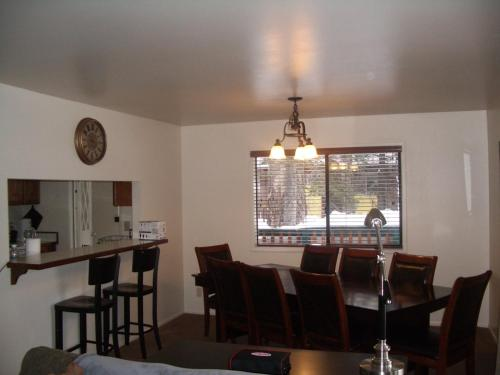 Mammoth Lakes Holiday Home - Mammoth Lakes, CA 93546