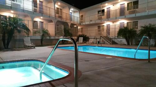 Motel 6 Oceanside Marina Photo