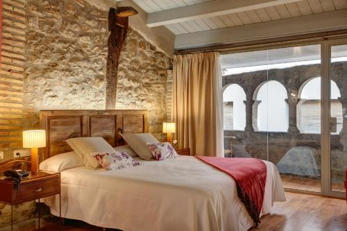 Deluxe Double Room with Fireplace Hotel La Freixera 6