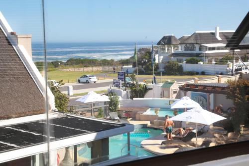 Misty Waves Boutique Hotel Photo