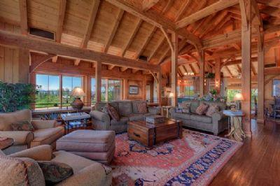 Glacier Luxury Lodge Photo