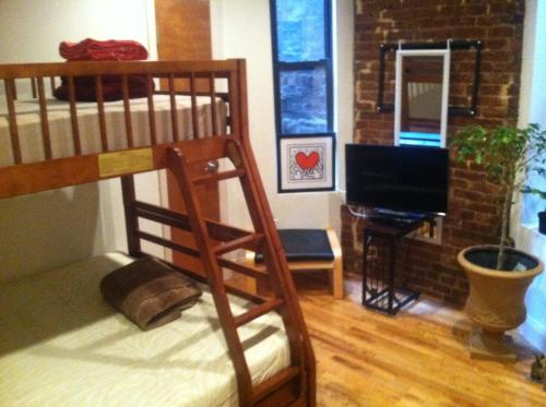 Wonderful Two Bedroom Apartment @ Upper East Manhattan E 116th Street U0026nbsp;And  Lexington New York City, NY Hotels U0026 Motels   MapQuest Nice Ideas