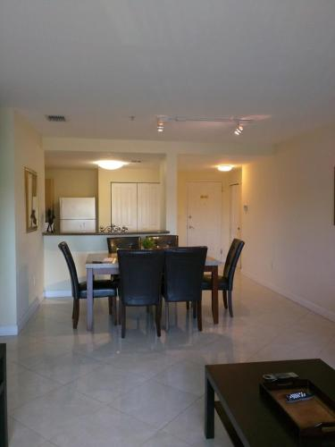 Miami Coral Gables Apartment Photo