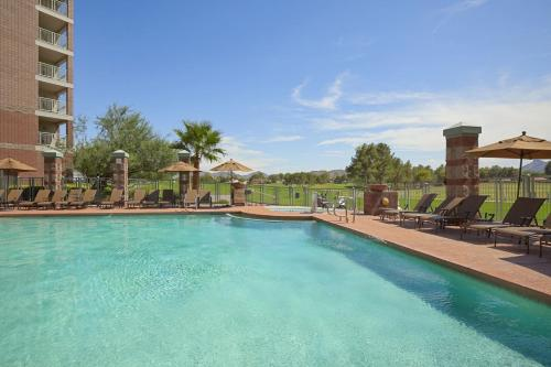 Embassy Suites Phoenix - Scottsdale photo 11