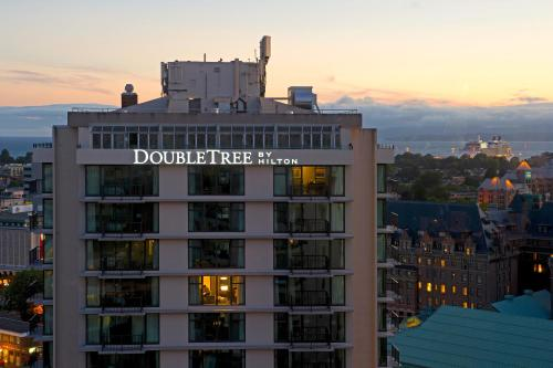 DoubleTree by Hilton Hotel & Suites Victoria Photo