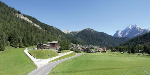 Sport Hotel & Club Il Caminetto, Канацеи