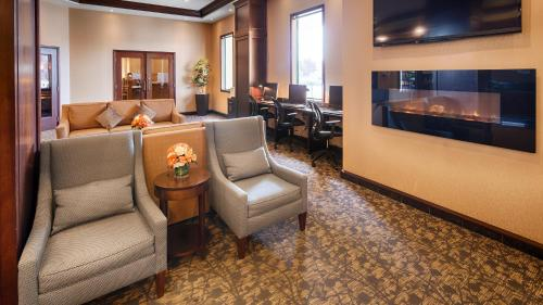 Best Western Plus Winnipeg Airport Hotel Photo
