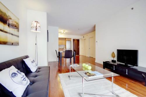 Le 1009 Bleury Apartments by CorporateStays Photo