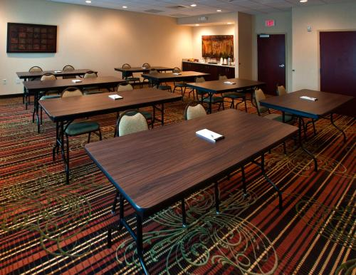 Hampton Inn & Suites Holly Springs Photo